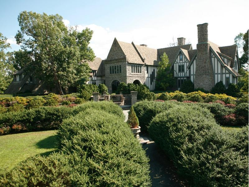 Stately English Tudor 15 000 000 Pricey Pads