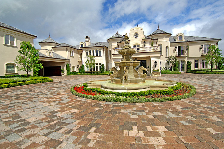 Pricey pads luxury real estate for Estate sales thousand oaks