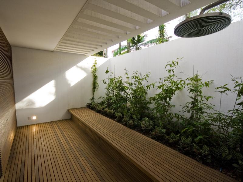 Indoor garden on pinterest interior garden gardens and for Indoor garden design