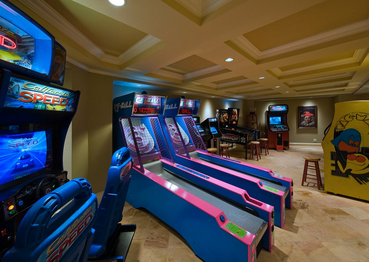 Not your typical ny estate 17 500 000 pricey pads - Game room in house ...