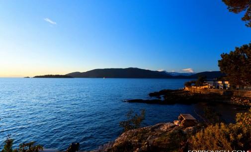 Award Winning Waterfront – $4,890,000