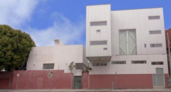 Anjelica Huston's Venice Beach Compound – $16,800,000