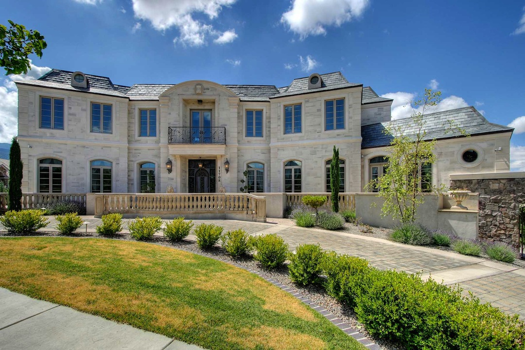 Doug vaughan s mansion to be auctioned 1 800 000 for New house hall