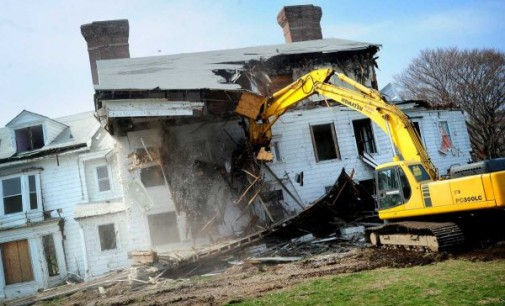 'Great Gatsby' Mansion Torn Down