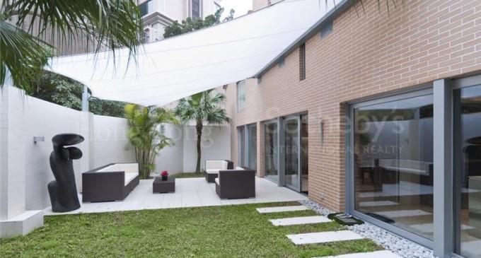 Prestigious Townhouse – $30,870,000