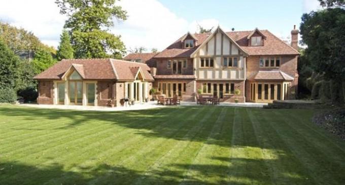 Private Tudor Estate – £3,000,000