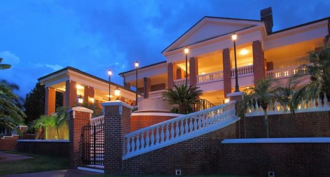 Manatee River Estate – $8,850,000