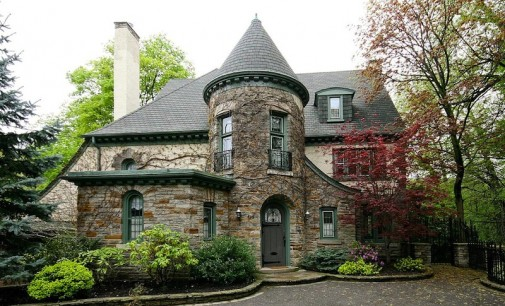 Stately South Hill Estate – $4,500,000