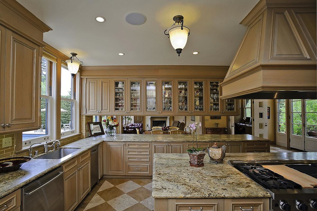 hgtv country kitchens newhall manor 5 990 000 pricey pads 1615