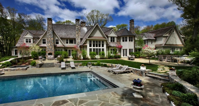 7 Acre Family Estate – $13,850,000