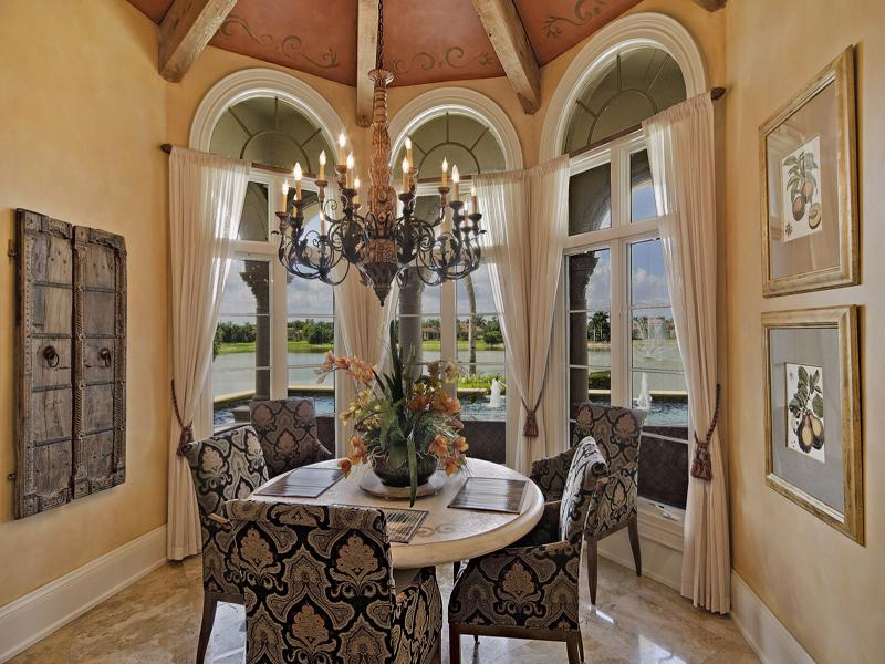 1 76 Acre Lakefront Estate 5 950 000 Pricey Pads