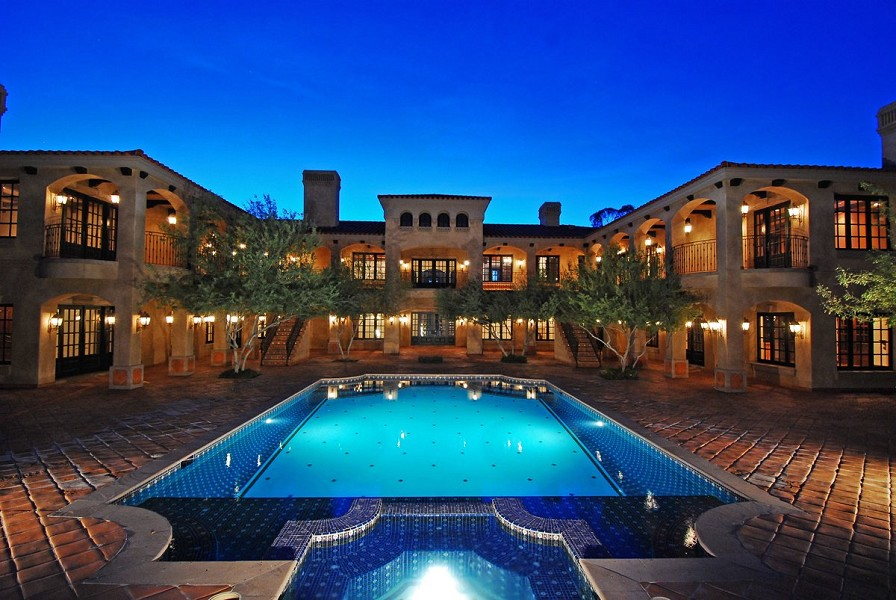 Foreclosed Golf Course Estate 5 950 000 Pricey Pads