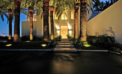 2.7 Acre Contemporary Estate – $11,950,000
