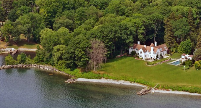 Lakefront Oakville Estate – $11,500,000