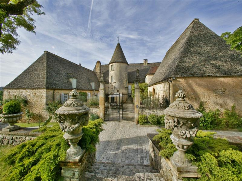 15th century manor pricey pads for Century home builders