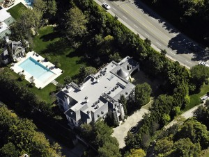 Michael Jackson's Final Home Contents Go For Nearly $1 Million