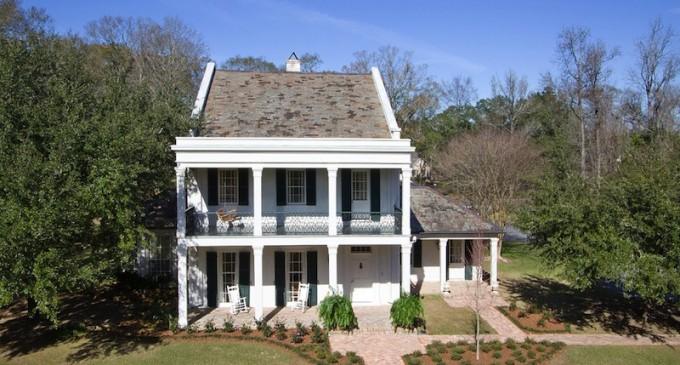 2.8 Acre Estate – $2,900,000