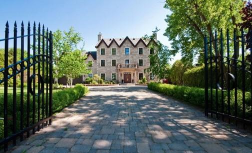 Waterfront Laval Estate – $2,495,000