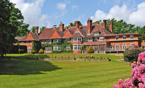 Adele's New £15,000/Month Mansion