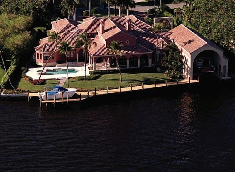 Drive in boathouse one day i 39 ll sail away pinterest for Boat garage on water