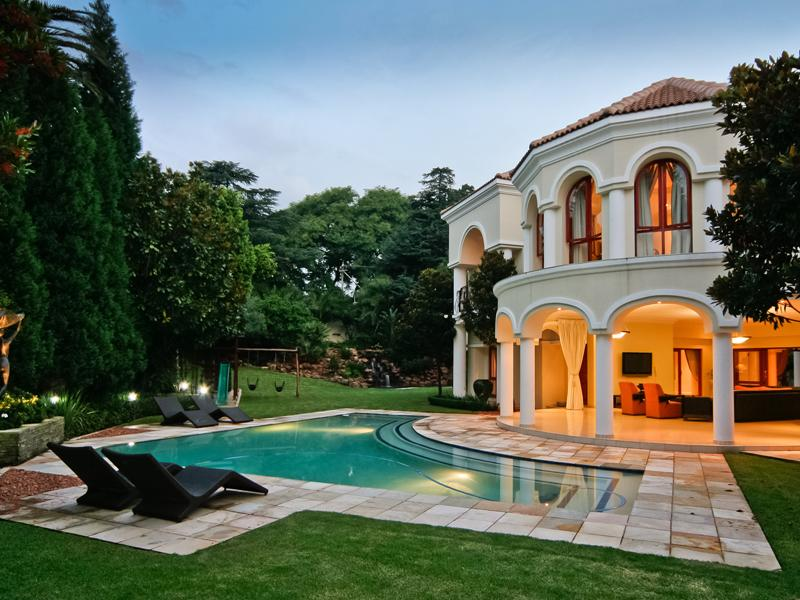 South African Estate 3 896 959 Pricey Pads