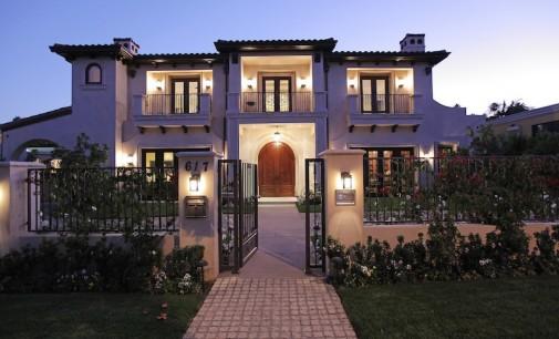 Stunning Tuscan Villa – $9,995,000