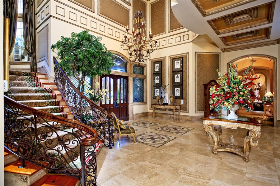 Traditional Foyer Games : Traditional entryway with chandelier interior wallpaper