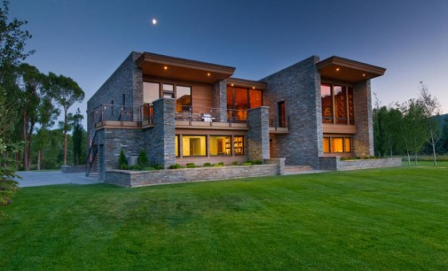 New Contemporary Gem – $4,900,000
