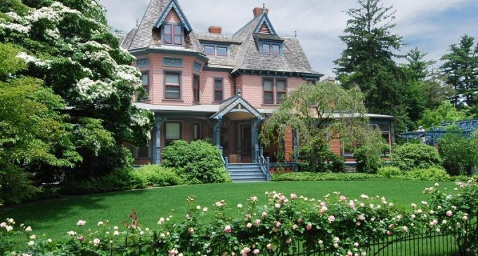 Southport Queen Anne – $2,995,000