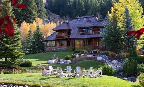Eagle Creek Log Estate – $7,500,000