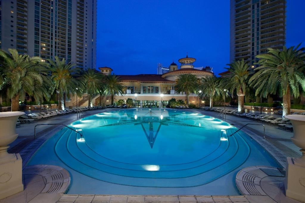 The Mansion At Turnberry Place 18 000 000 Pricey Pads