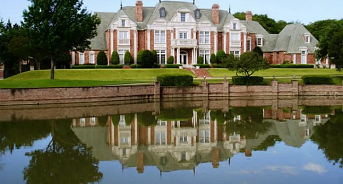 Magnificent Formal Estate – $2,000,000