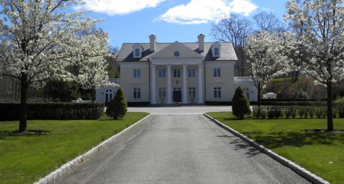 888 Old Post Road – $14,888,000
