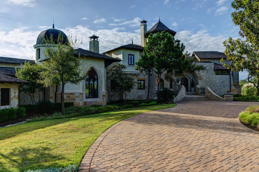 The Castle In The Woods 9 700 000 Pricey Pads
