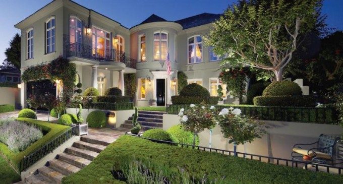 121 Emerald Bay – $7,900,000