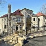 Rivercrest Mansion heading to Auction
