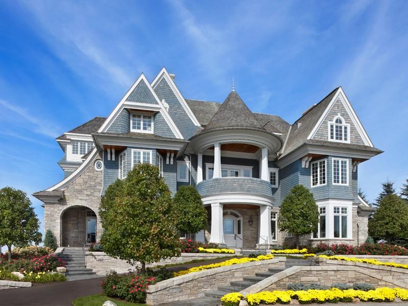 Dream cottage styled mansion sold pricey pads for Cottage builders in michigan
