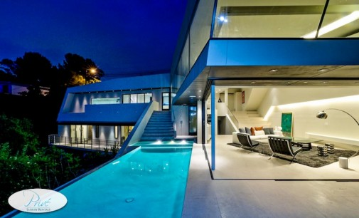 Modern Mulholland Celebrity Estate – $3,895/Night