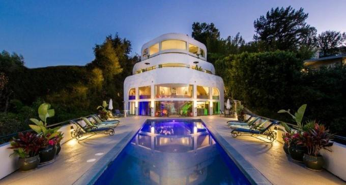 Entertainer's Estate – $6,749,000