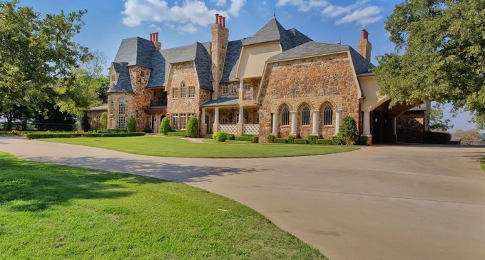 Fabulous Colleyville Equestrian Estate – $3,985,000