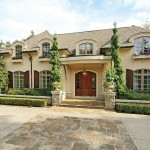 Idyllic South East Oakville Estate – $3,975,000