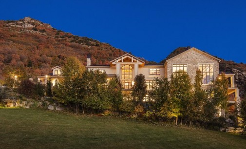 Exceptional Sandy Family Estate – $3,500,000