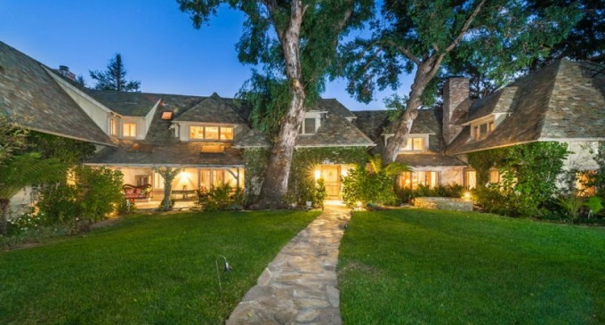 Pacific Palisades Fairytale Home – $14,999,000