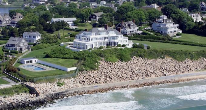 Taylor Swift Buys $17 Million Rhode Island Mansion