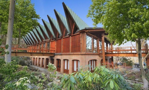 Dansk Lake House – $5,500,000