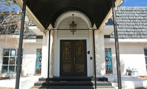 Liberace's Former Las Vegas Mansion Sells for $500K