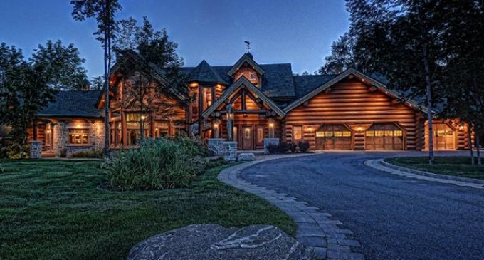 Grand Log Home – $4,500,000