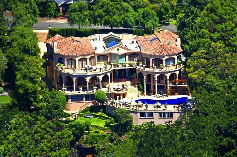 Australia s bachelor mansion up for sale pricey pads for Mansions for sale us
