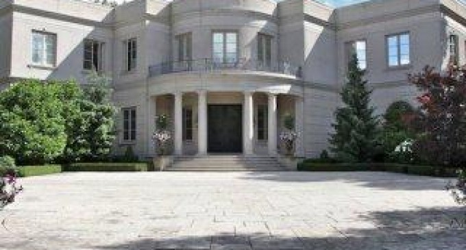 Exquisite High Point Road Manor – $26,800,000