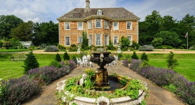 Cransley Hall – £2,650,000